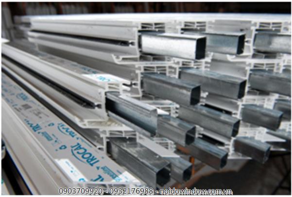 Lõi thép là yếu tố then chốt giúp cố định khung thẳng của cửa nhựa lõi thép hcm